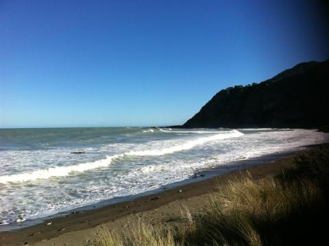 NZ-Surf-Guide-Okiwi-Bay-South.JPG