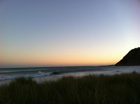 NZ-Surf-Guide-Okiwi-Bay-Sunset.JPG